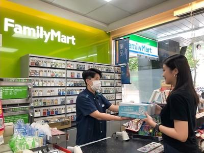 超商雙雄衝冷凍店取「業績增三成」 小七預估每月上看15萬人次