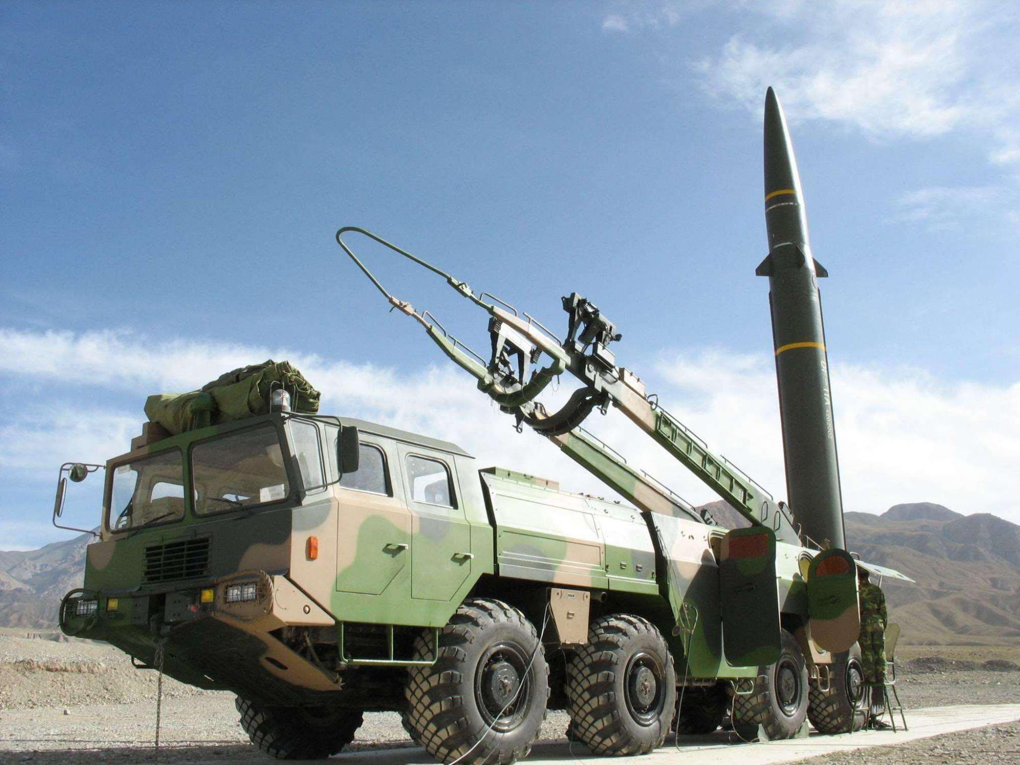 東風41飛彈,內蒙古,解放軍,二砲部隊,短程彈道飛彈,火箭軍,美蘇中程飛彈,洲際彈道飛彈