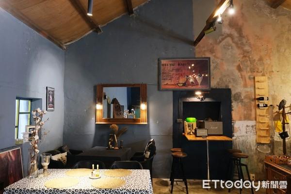 一下船就來吃!特搜「澎湖馬公4家美食」魔幻餐酒館、海菜煎餅 | ETto