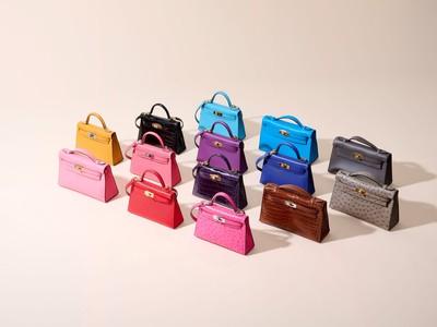 愛馬仕凱莉包壯觀規模排出彩虹色 超稀有木製包登拍賣會