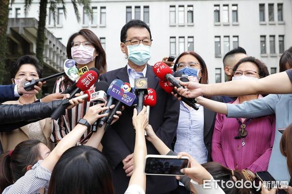 國民黨團揚言會鍥而不捨要謝長廷回國謝罪 「到他下台為止」 | ETtod