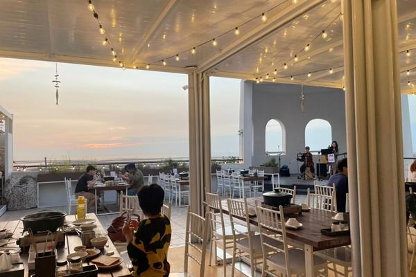 台中最新海景餐廳!看海吃麻辣鍋、烤肉超療癒 還能睡進豪華帳篷 | ETt