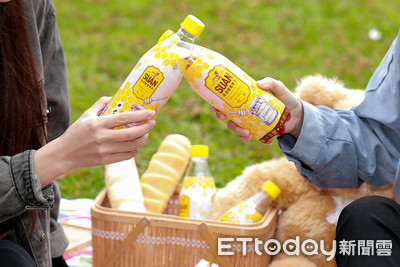 FB、IG大洗版!用「全新蜂蜜氣泡飲品」解暑熱 網讚:帶去野餐被秒殺