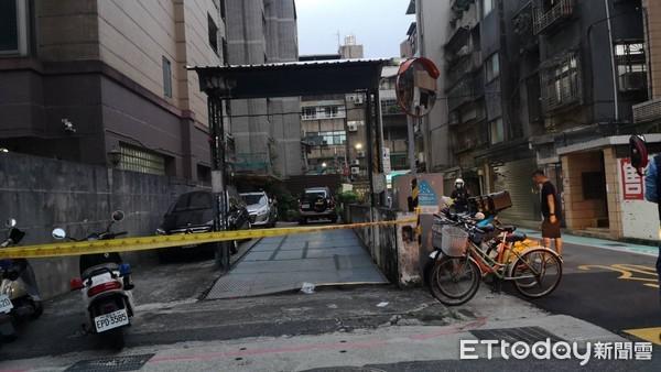 快訊/台北停車場恐怖意外 鐵柵欄「突然砸落」1人遭壓身亡