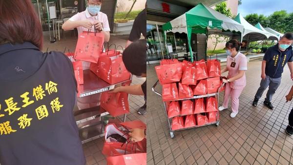 感謝醫護人員防疫辛勞 里長王傑倫贈金山醫院30盒地瓜酥
