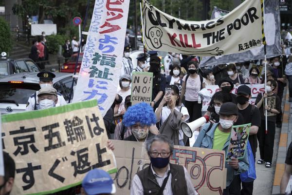 日本連3日確診數破6千例 百位反東奧團體到測試賽場館抗議