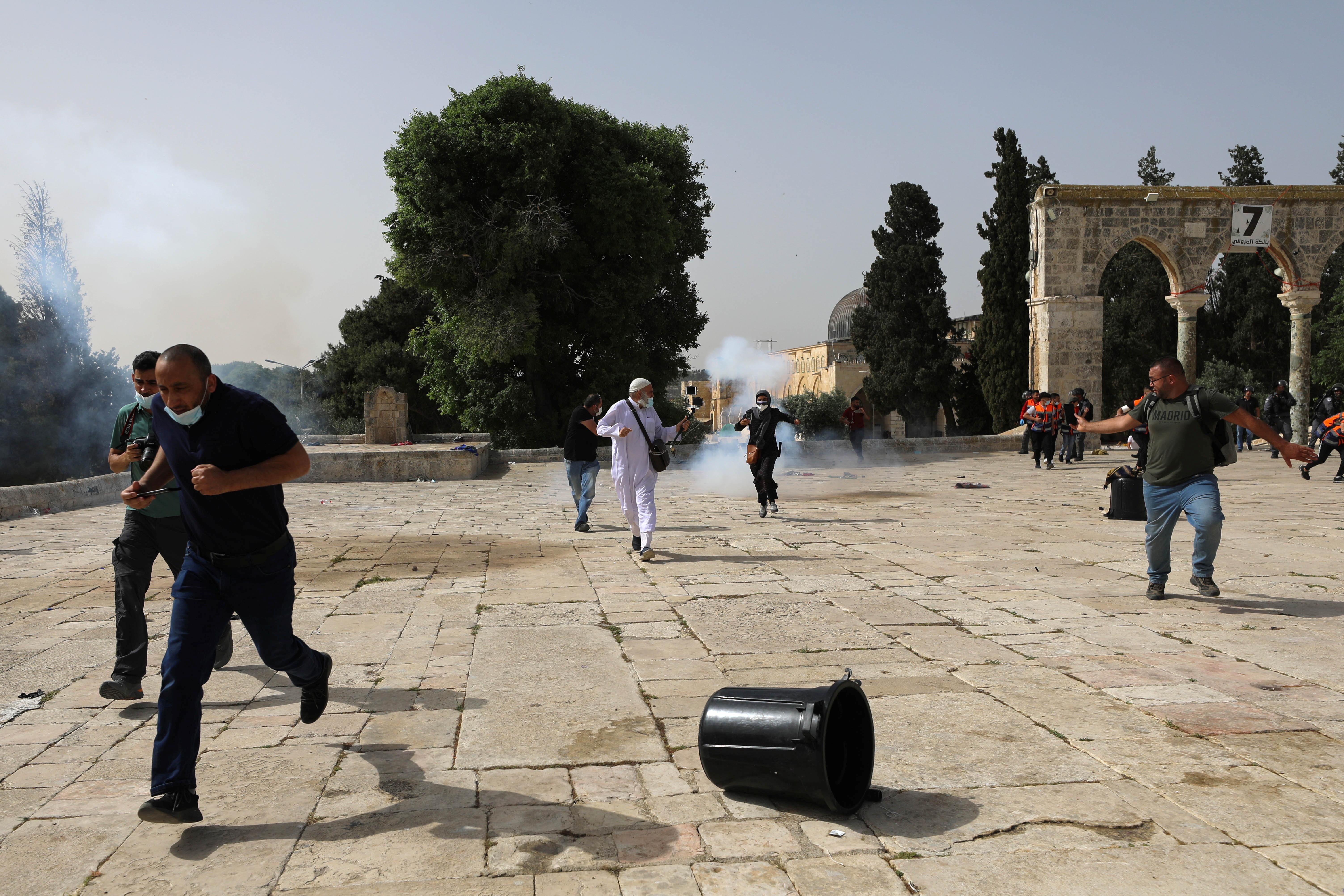 ▲▼耶路撒冷艾格撒清真寺連日來爆發激烈的「以巴警民衝突」。(圖/路透社)