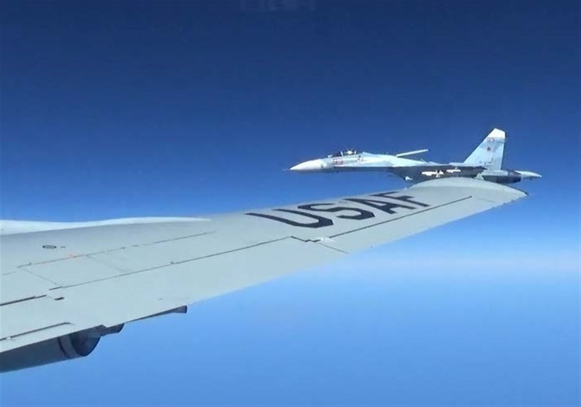 RC-135U,驅逐艦,偵察機,南海,巴士海峽,戰機,長江口,解放軍,媒體,美中關係