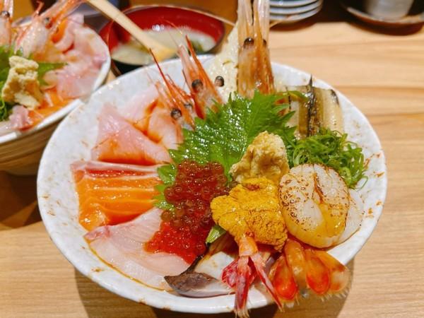 炙燒干貝一口吞!桃園超狂日式「狠激丼」 去殼紅蝦鮮甜滿嘴海味 | ETt