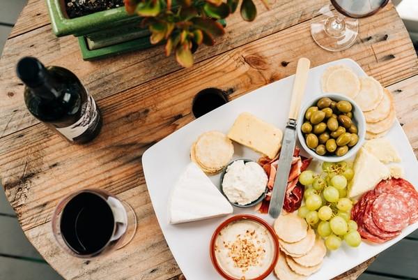 每天小酌紅酒、不用節食就能瘦!營養師傳授「地中海飲食」懶人包    ET