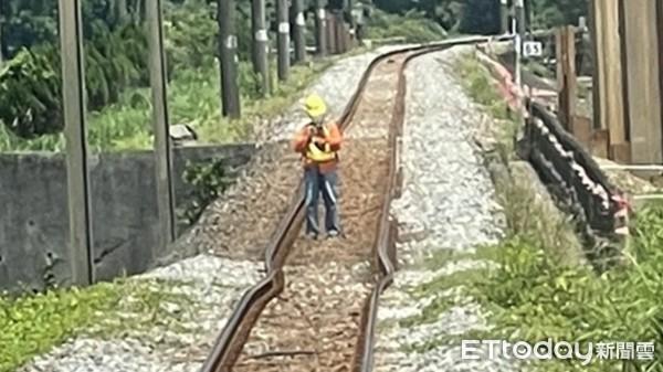 [新聞] 福隆貢寮鐵軌熱到變形! 目前單線雙向通