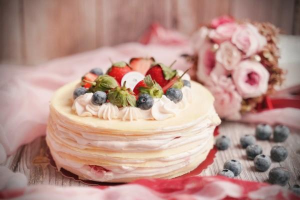 挺醫護!手作千層蛋糕推防疫人員憑證享88折 激推超濃郁草莓香氣 | ET