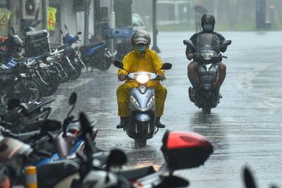 大雷雨來襲「淹水警報發佈!」 台北市、新北市列一級淹水警戒