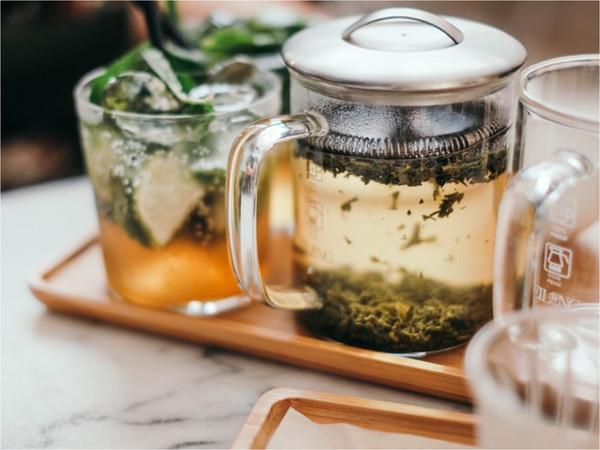 「每日喝茶時間表」萬人瘋傳! 早餐喝紅茶、傷心時喝這款,有益健康   E