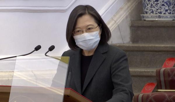 [新聞] 蔡英文稱「泰國優先使用AZ疫苗」致延遲