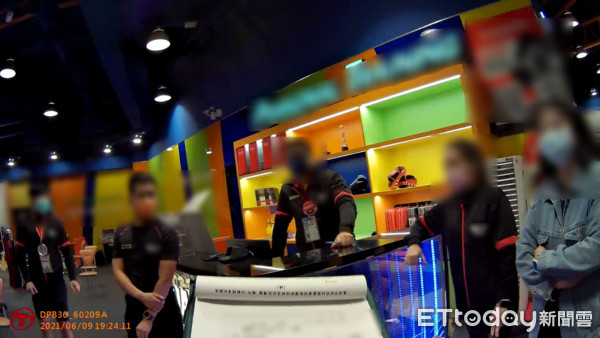 健身房7人群聚被抓包 新營World Gym:教練線上視訊教學   ET