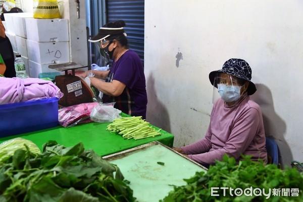 生意跌落5成!花蓮市公有市場攤位租金減半 627攤商受惠