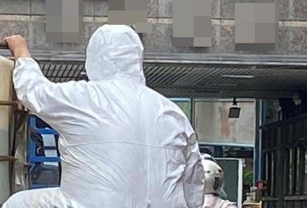 清潔隊員沿街消毒 民眾驚見「防疫破口」!資深警消:確實會發生