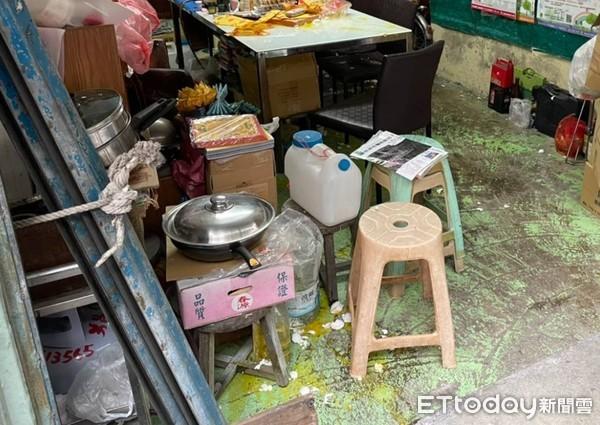 快訊/蛋雨狂襲高雄里長服務處!討債沒忘防疫規定 7人討120萬