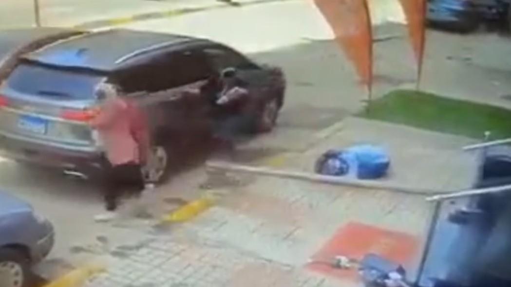 ▲▼17歲少女被從天而降的木板砸死。(圖/翻攝自Facebook/قناة العربية Al Arabiya )