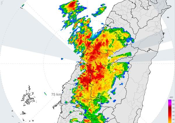 快訊/中彰投雲大雷雨!時雨量飆82毫米 今只是前菜雨最猛2天曝