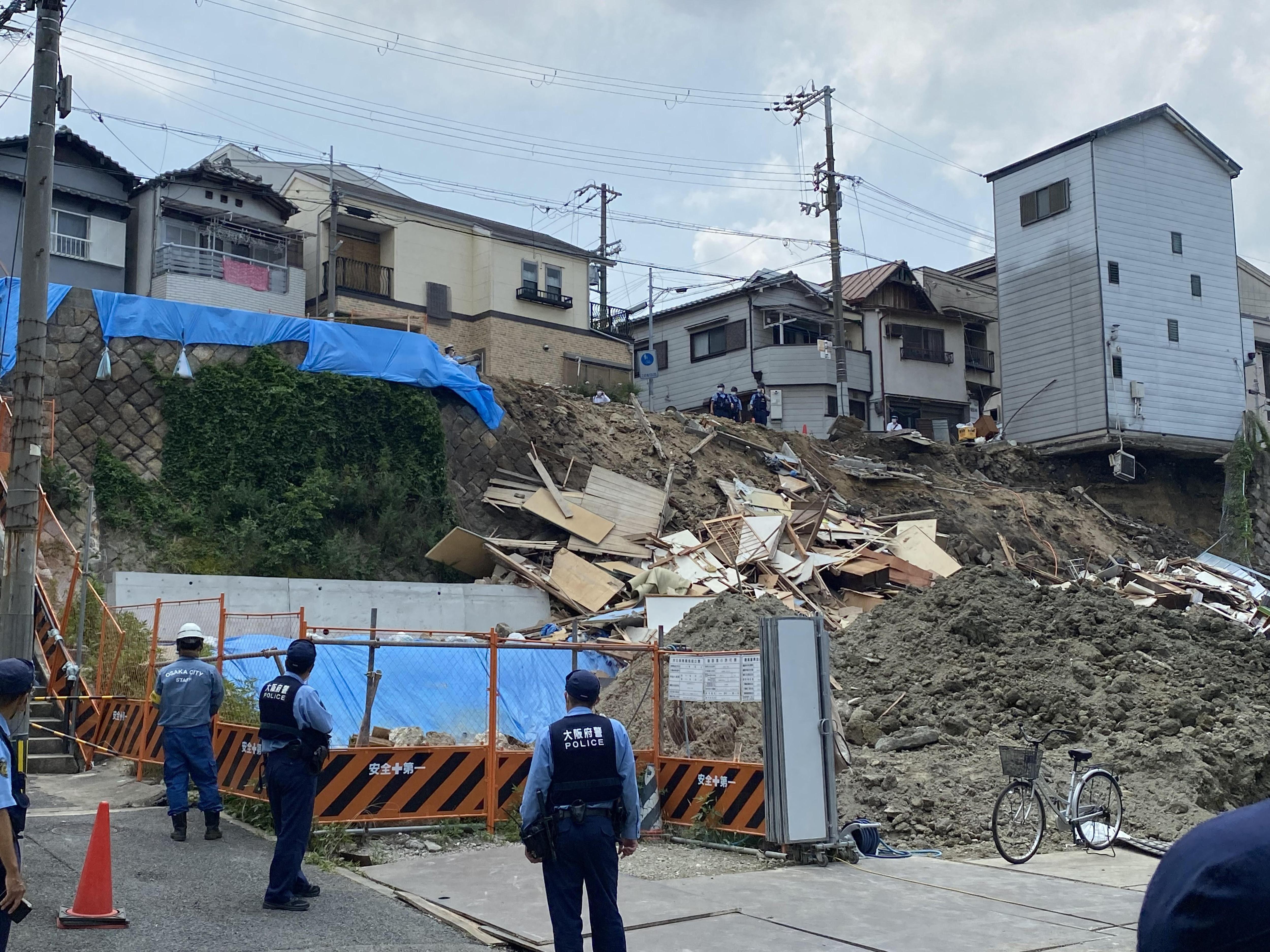 ▲▼日本大阪發生住宅崩塌。(圖/達志影像/美聯社)