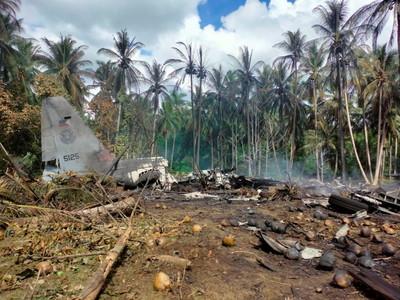 菲律賓軍方近30年來最嚴重空難 運輸機墜毀爆炸增至45死
