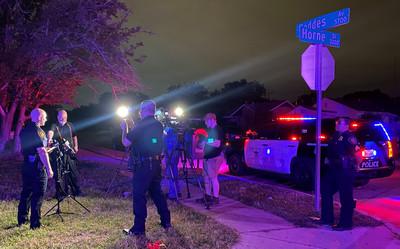 德州沃斯堡洗車店凌晨驚傳槍響 8人中彈
