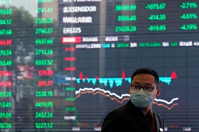 日股重挫近6百點!補跌失守3萬點大關 港股反攻逾3百點翻轉上漲