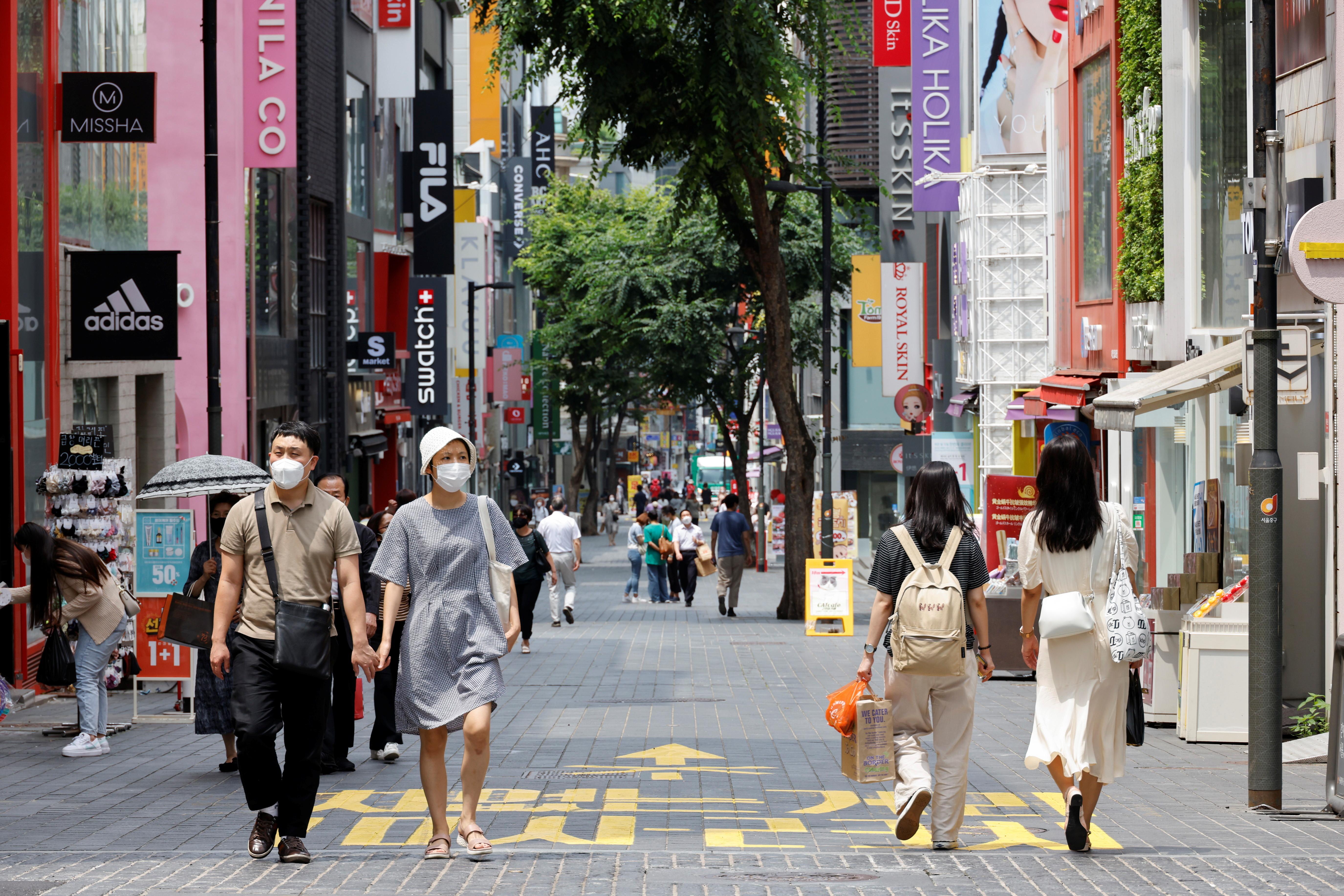 ▲▼南韓新冠疫情嚴峻,首爾新增最多確診者。(圖/路透社)