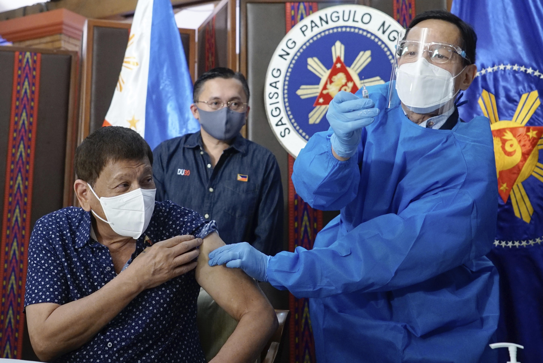 ▲▼菲律賓總統杜特蒂接種第2劑國藥疫苗。(圖/達志影像/美聯社)