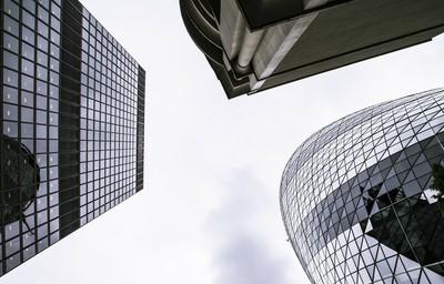 新加坡、英國政府出擊!推動「金融科技能力」發展 培養人才更具彈性