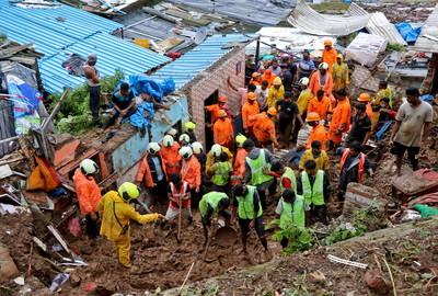 孟買紅色警報!暴雨土石流至少25死「多人遭活埋」 多棟民宅倒塌