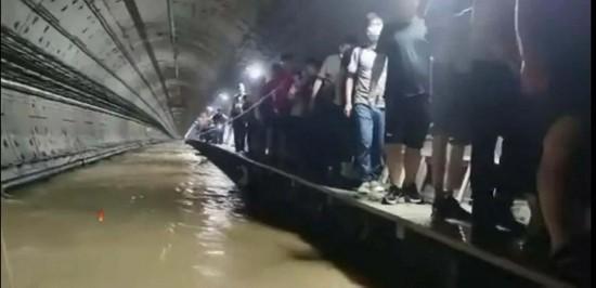 鄭州,極端氣候,西歐,洪水,河南省,供應鏈,iPhone,富士康,地鐵,淹水
