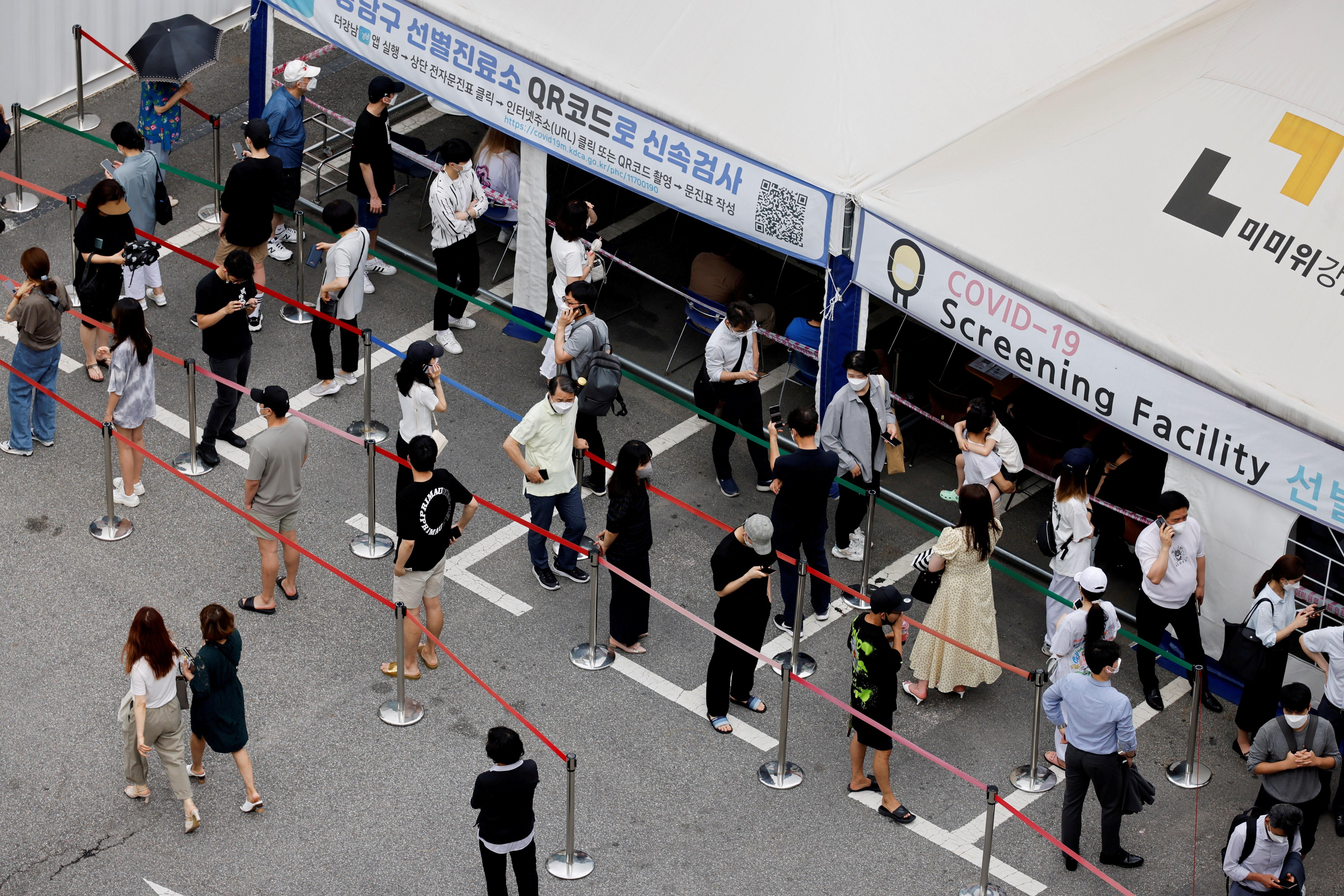 ▲▼南韓新冠疫情連續2天創下新高。(圖/路透社)