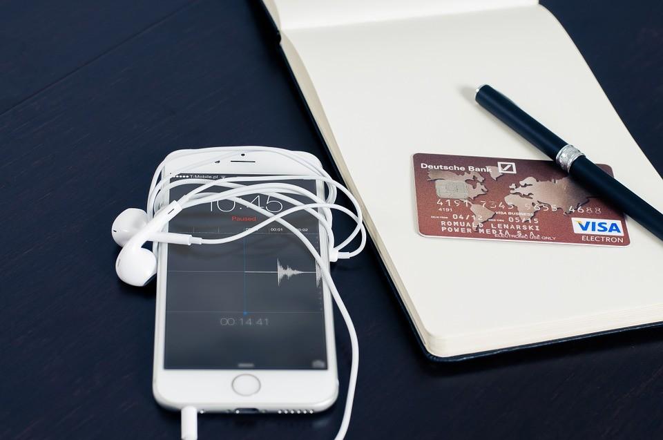 ▲銀行,信用卡,金融。(圖/取自免費圖庫Pixabay)