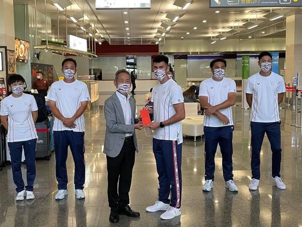 楊俊瀚領軍田徑首批代表隊今前往東京 田協致贈加油金勉勵