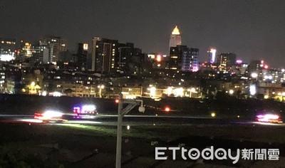 松山機場今晚很熱鬧 鳥擊事件後緊接著消防車夜間演練