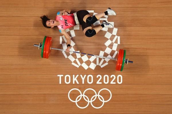 ▲▼「舉重女神」郭婞淳在東京奧運舉重女子59公斤量級拿下金牌。(圖/路透)