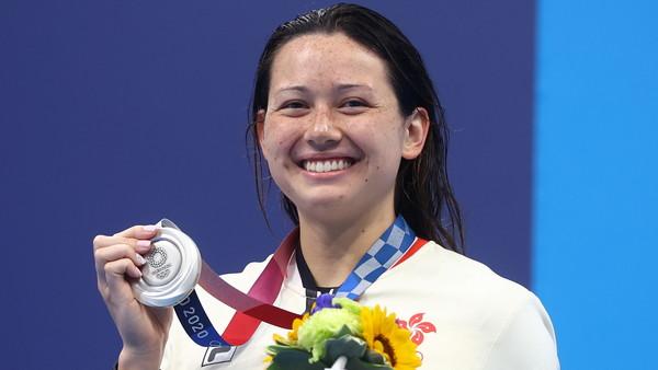 混血美女何詩蓓奪香港泳隊奧運史上首獎 揮別世游賽0.2秒遺憾奪銀