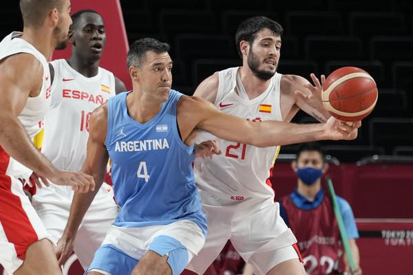 阿根廷對決西班牙 41歲賈索同場41歲史科拉成奧運經典