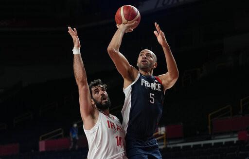 法國男籃強勢3連勝晉級8強 哈達迪領軍伊朗苦吞3連敗