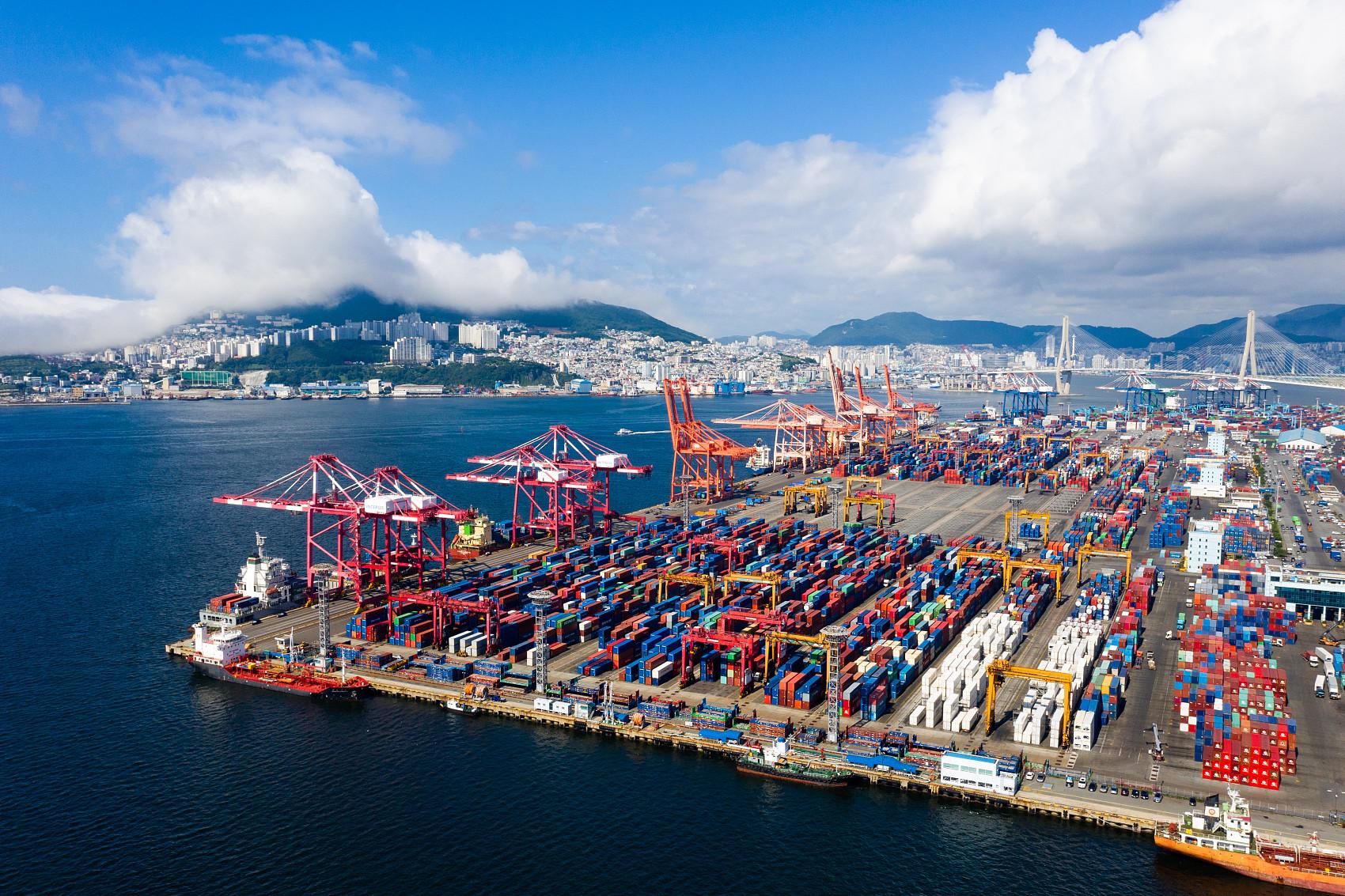 ▲▼南韓7月出口額為554億美元,創歷年新高。圖為南韓釜山港。(圖/CFP)