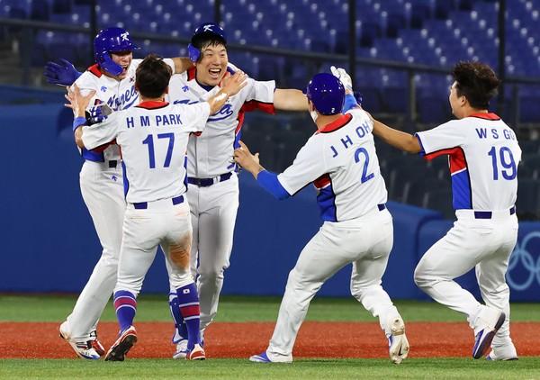 隊長金賢洙再見安打 韓國4比3逆轉多明尼加