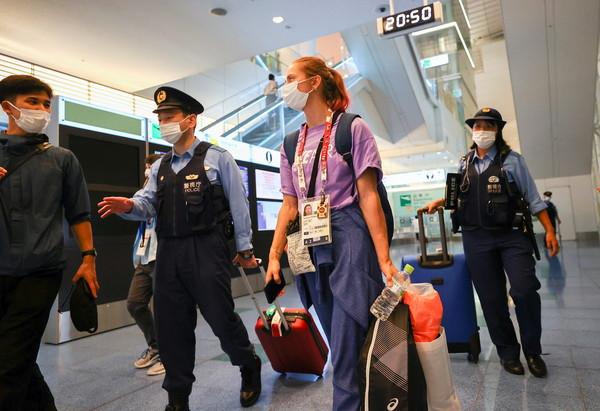 白俄羅斯賽跑女將「突遭下令回國」拒絕登機! 機場向日本警求救
