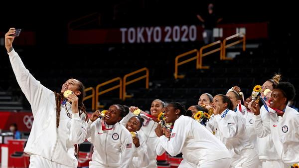 美國女籃金牌戰擊敗日本 完成奧運7連霸