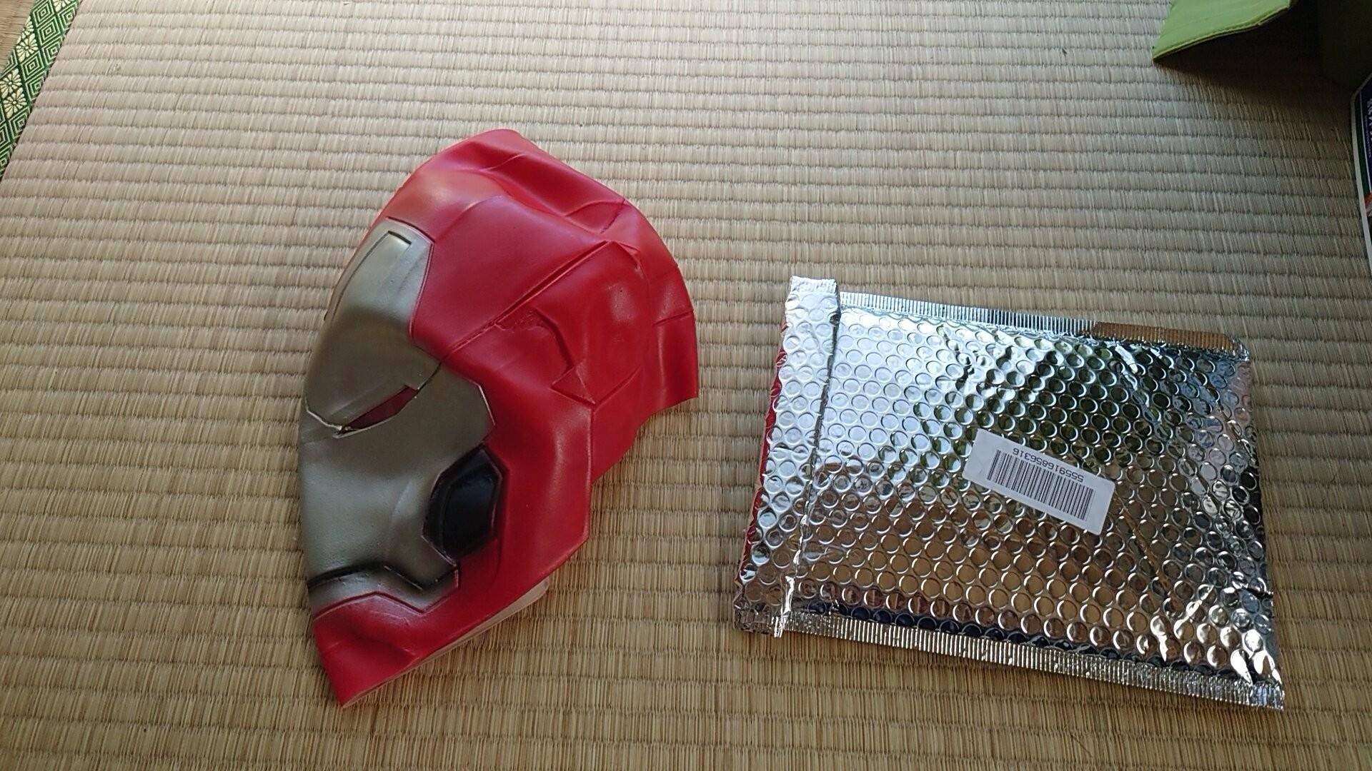 ▲▼鋼鐵人盜版頭盔(圖/翻攝自Twitter/るら坊)