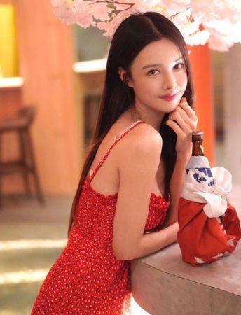 ▲李元玲曬出清純美照,獲得網友讚賞。(圖/翻攝李元玲Instagram)