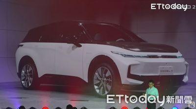 鴻海電動車入門款「售價不到百萬」! 上市時間出爐
