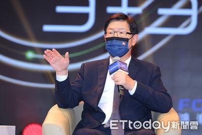 快訊/3款台製電動車一次推出 劉揚偉:已有客戶洽談、最快挹注明年營收